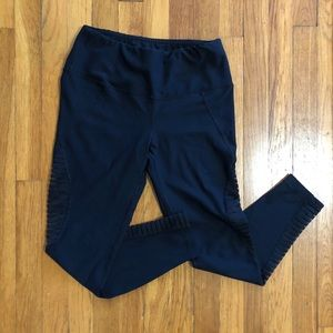High-waisted Leggings with Mesh Details!